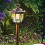 Solárna stojatá lampa