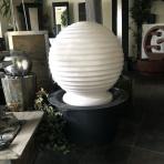 ASAKI BOULE 65 Blanc - sklobetónová fontána exteriér